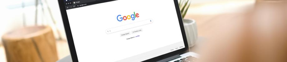 Laptop mit Google Screen