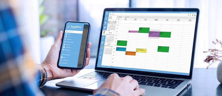Laptop mit onOffice Kalender